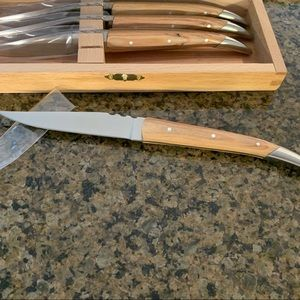 Brand new steak knife set. Quality tang & blade.